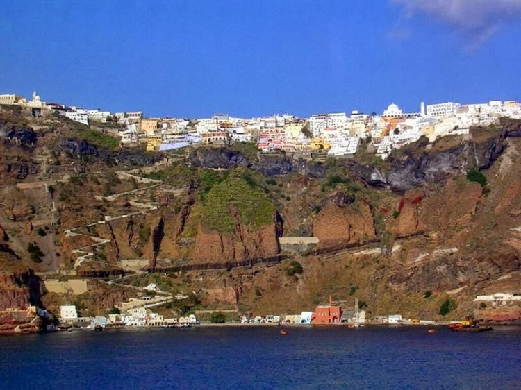 29-8 santorini greece